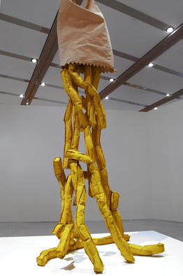 famous painting Shoestring Potatoes Spilling from a Bag of Claes Oldenburg